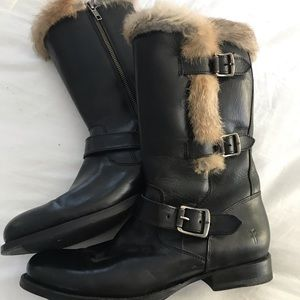 Frye Fur lined boots. Size 9. Black . Worn once.